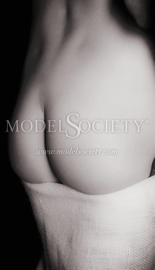 Artistic Nude Erotic Photo by Model Helen Hellfire