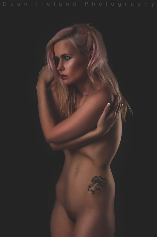 Artistic Nude Erotic Photo by Model Laura Lily