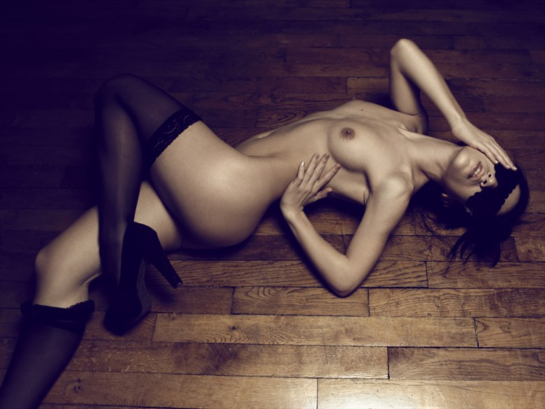 Artistic Nude Erotic Photo by Model Magena Yama