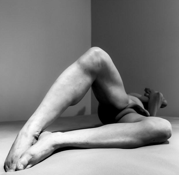 Artistic Nude Erotic Photo by Model Rhynelmrk