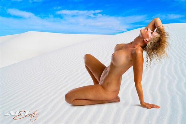 Artistic Nude Erotic Photo by Model Sirsdarkstar