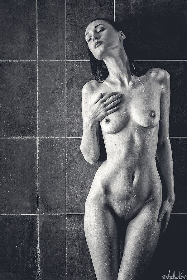Artistic Nude Erotic Photo by Photographer Andrew Kent