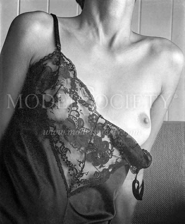 Artistic Nude Fashion Photo by Photographer ewe