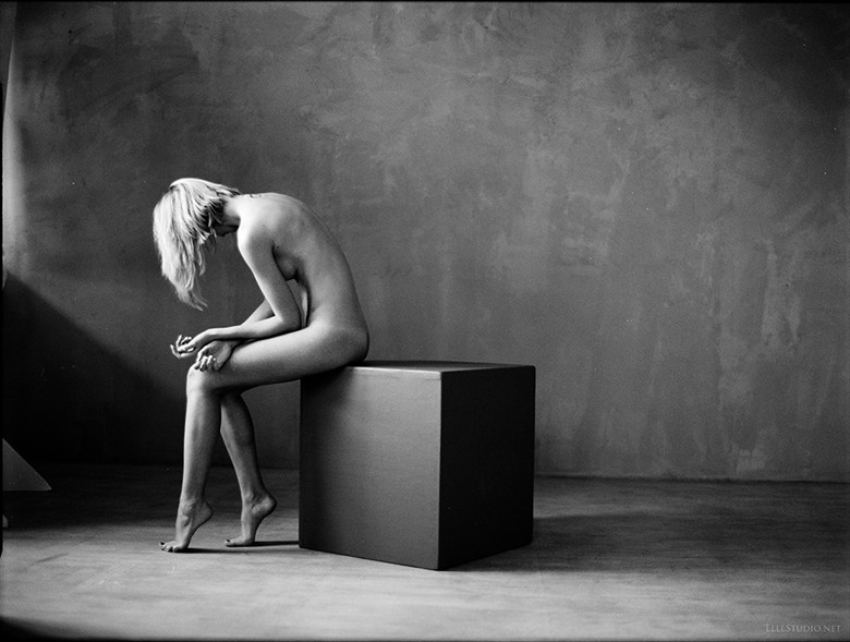 Artistic Nude Figure Study Artwork by Photographer Fabien Queloz