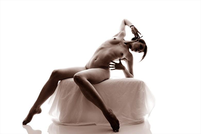Artistic Nude Figure Study Photo by Model AingealRose