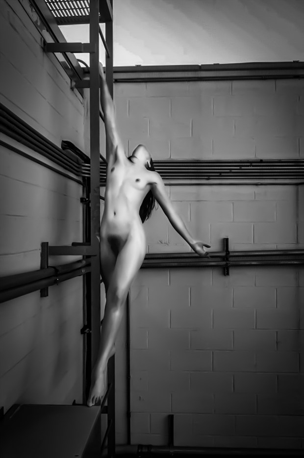 Artistic Nude Figure Study Photo by Model Amy Marie