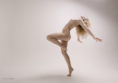Artistic Nude Figure Study Photo by Model Ella Rose Muse