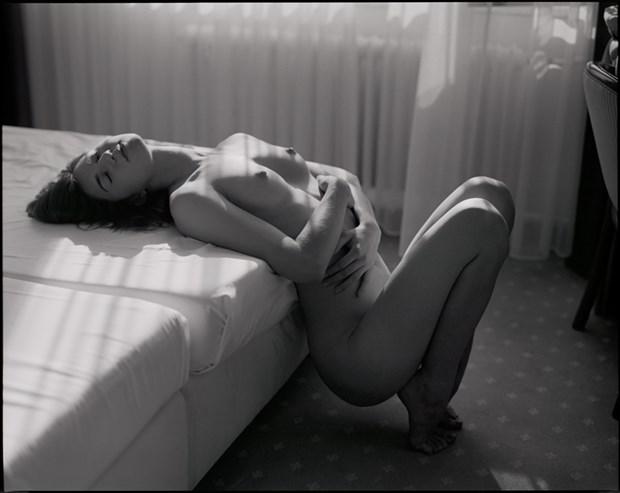 Artistic Nude Figure Study Photo by Model Kyotocat