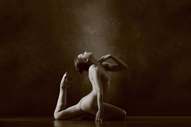 Artistic Nude Figure Study Photo by Model Madelainee