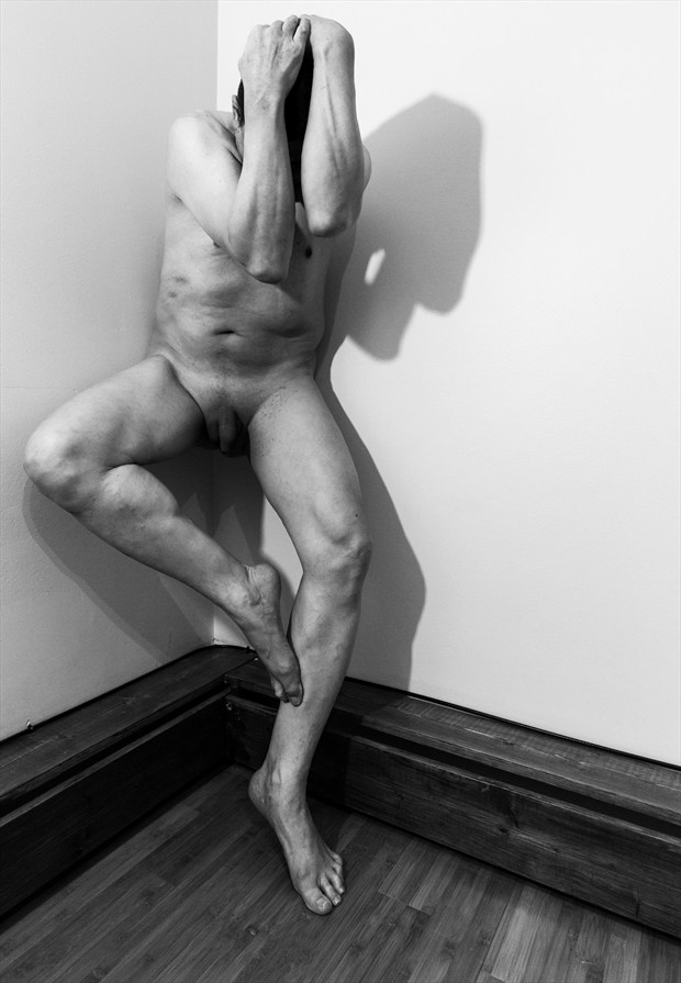 Artistic Nude Figure Study Photo by Model Rhynelmrk