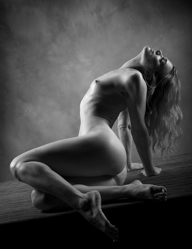Artistic Nude Figure Study Photo by Photographer AJ Kahn