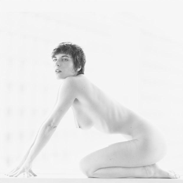 Artistic Nude Figure Study Photo by Photographer Fushigii.Photo