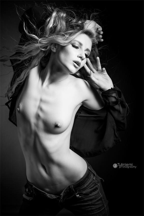Artistic Nude Figure Study Photo by Photographer J. Tuliniemi Photography