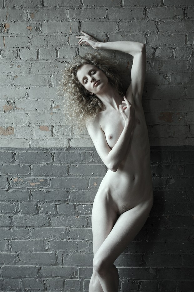 Artistic Nude Figure Study Photo by Photographer Paul Williamson