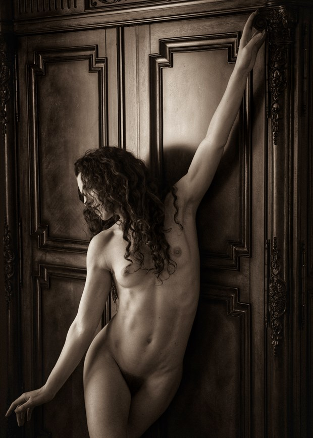 Artistic Nude Figure Study Photo by Photographer Tom Kabe