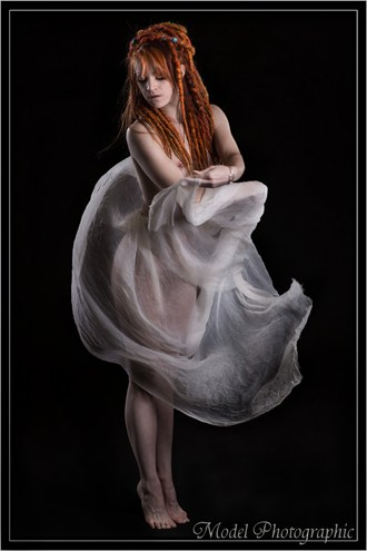 Artistic Nude Glamour Photo by Model AingealRose