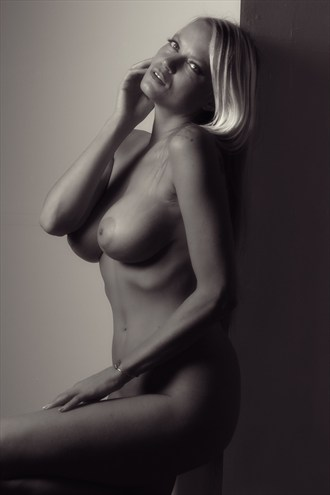 Artistic Nude Glamour Photo by Model Caroline Summers
