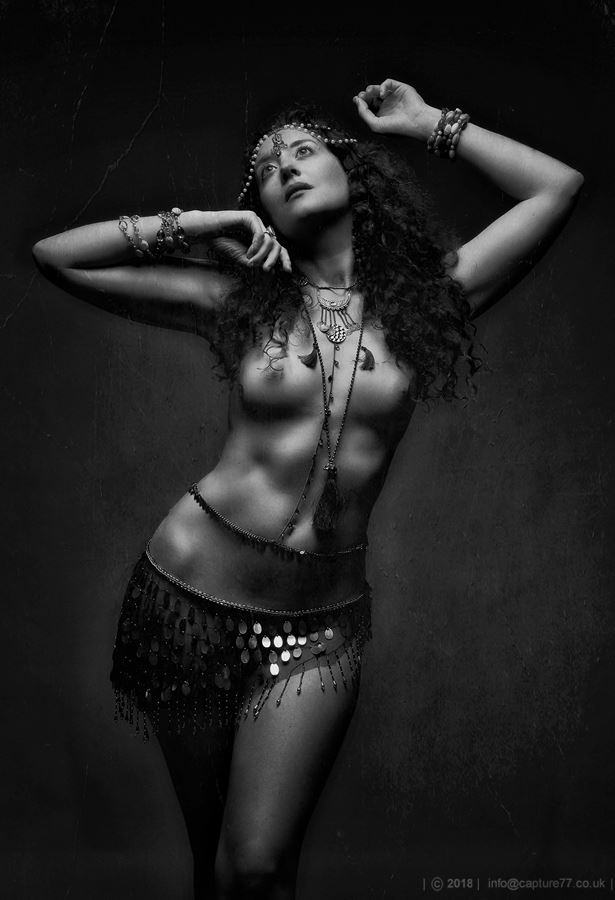 Artistic Nude Glamour Photo by Model Ella Rose Muse