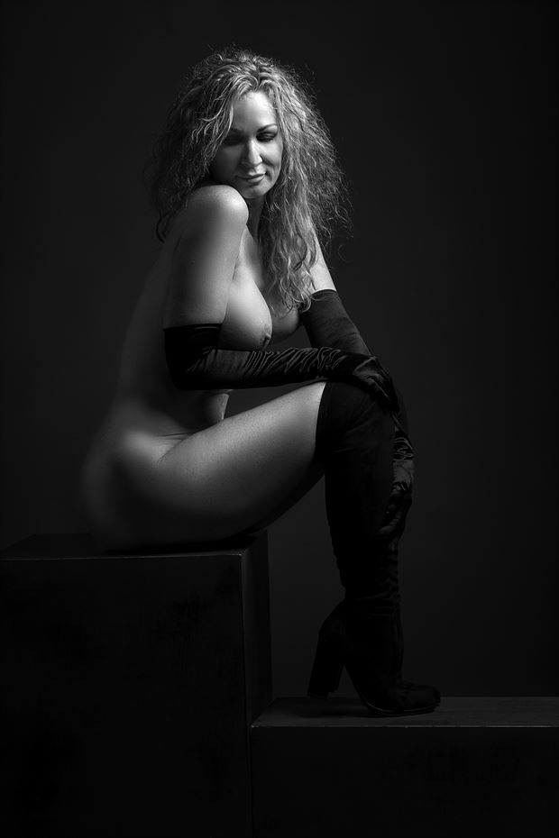 Artistic Nude Glamour Photo by Model Sirsdarkstar