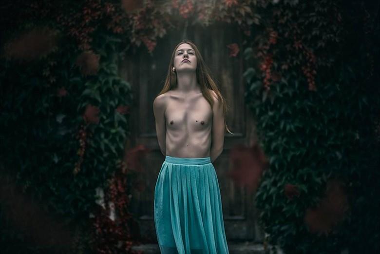 Artistic Nude Implied Nude Photo by Model Tereza K.