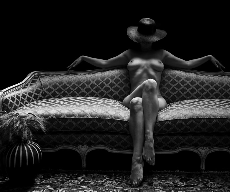 Artistic Nude Natural Light Artwork by Photographer Lonnie Tate