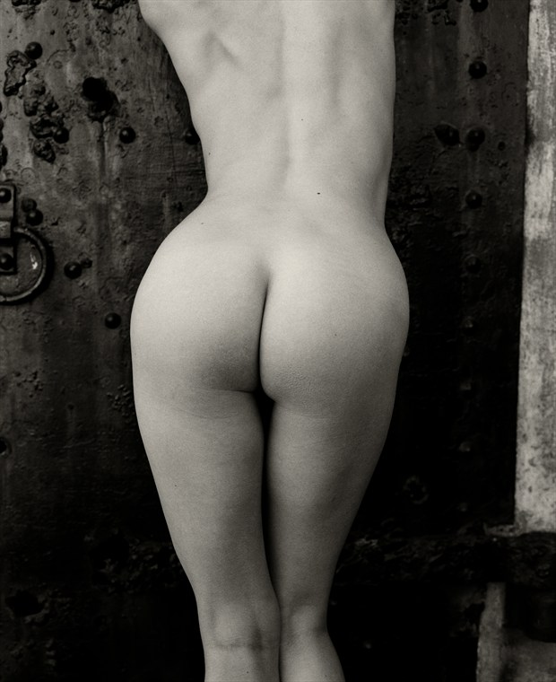 Artistic Nude Natural Light Photo by Photographer Christopher Ryan