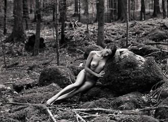 Artistic Nude Natural Light Photo by Photographer Fabien Queloz