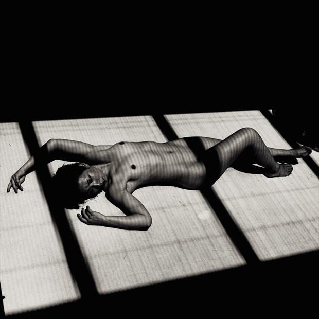 Artistic Nude Natural Light Photo by Photographer Fushigii.Photo