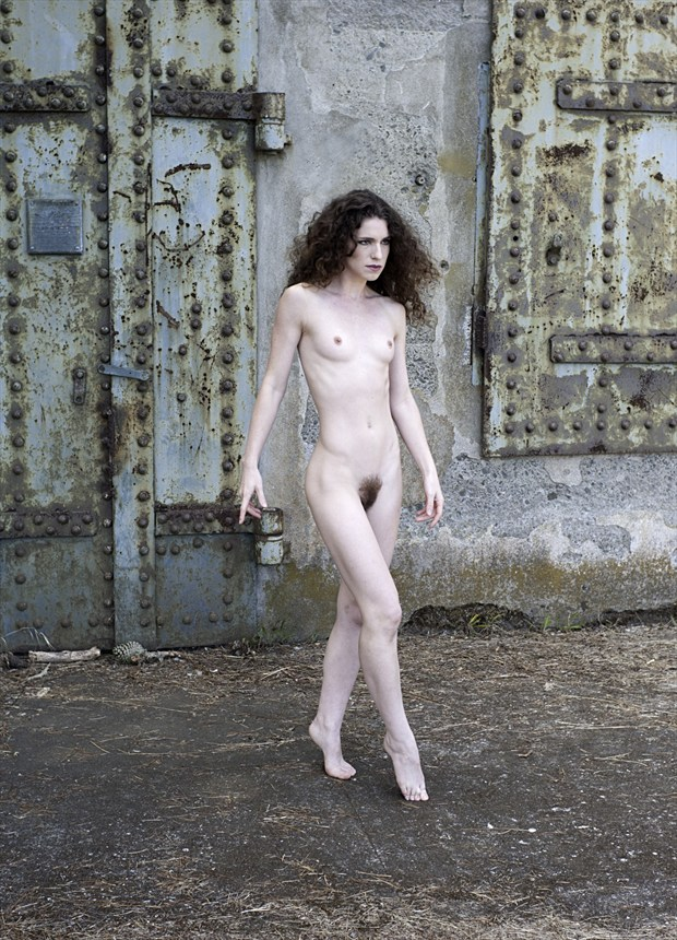 Artistic Nude Natural Light Photo by Photographer Knomad