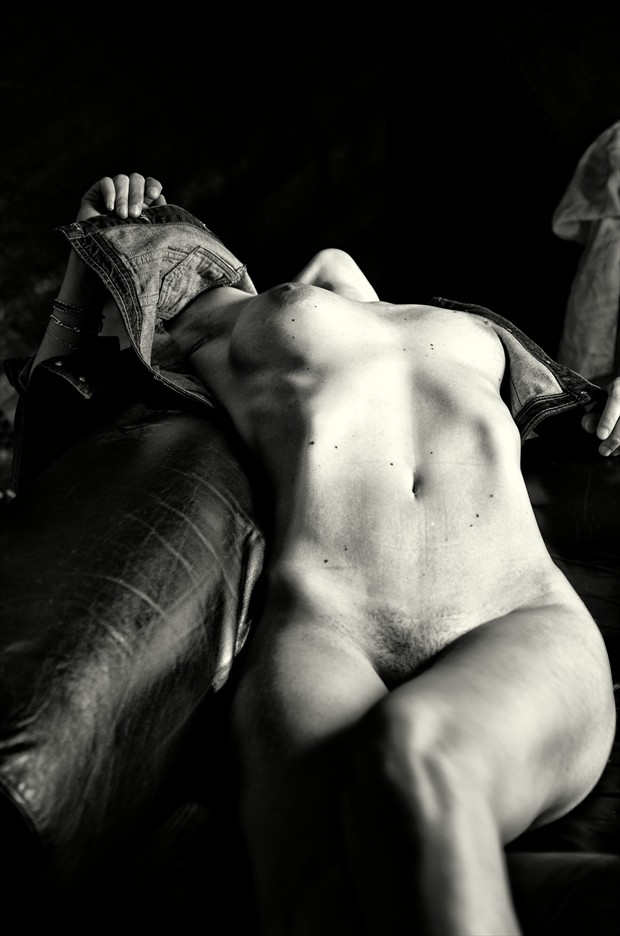 Artistic Nude Natural Light Photo by Photographer Laurent Callot