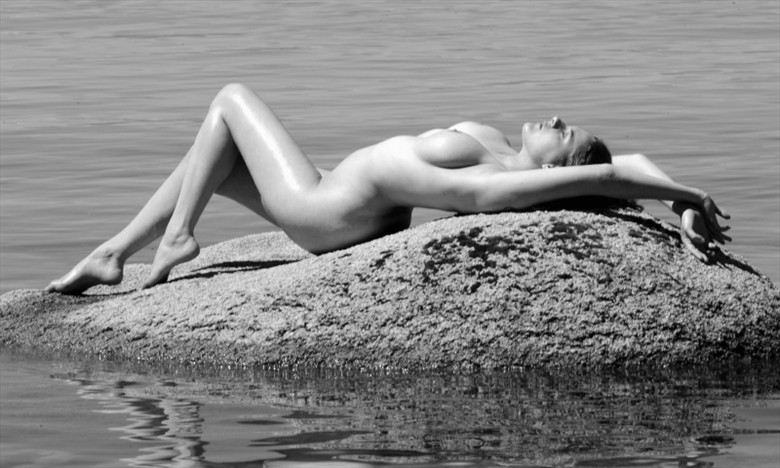 Artistic Nude Nature Photo by Model Eleanor Rose