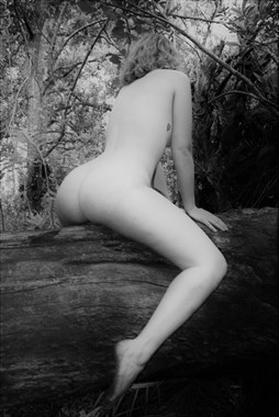 Artistic Nude Nature Photo by Model Lila Blue