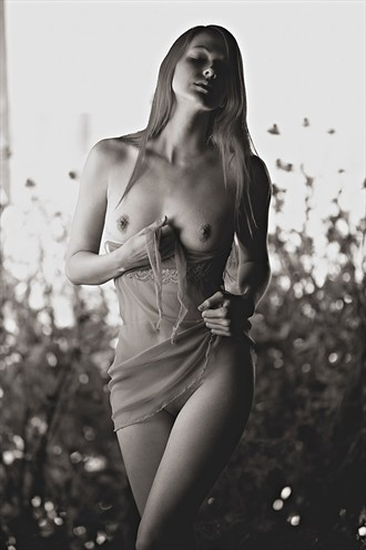 Artistic Nude Nature Photo by Model Raven Le Faye