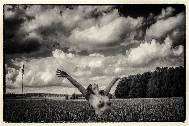 Artistic Nude Nature Photo by Photographer BenGunn
