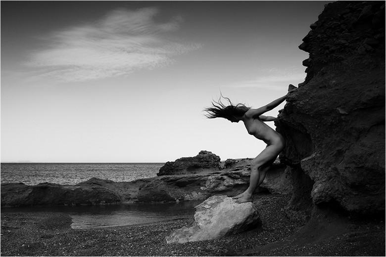 Artistic Nude Nature Photo by Photographer Manolis Tsantakis