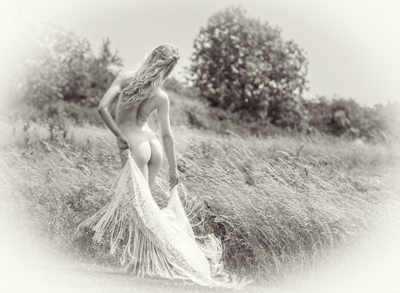 Artistic Nude Nature Photo by Photographer MaxOperandi