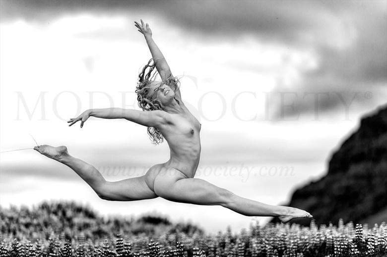 Artistic Nude Nature Photo by Photographer delawarephoto
