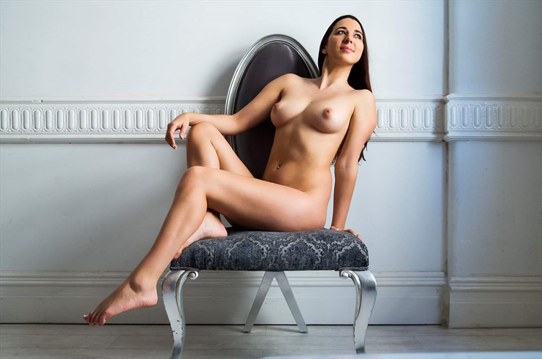 Artistic Nude Photo by Model Cheyannigans