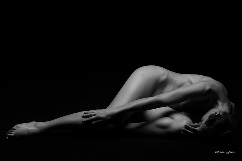 Artistic Nude Photo by Model Elyyy