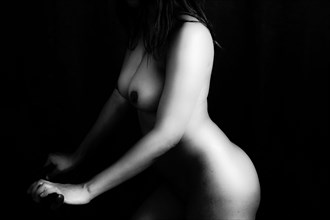 Artistic Nude Photo by Model FarS