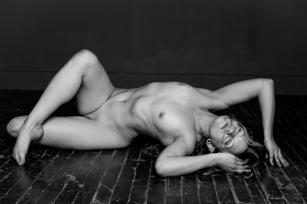 Artistic Nude Photo by Model Manzanita