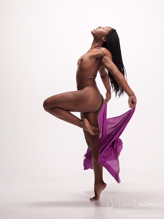 Artistic Nude Photo by Model QUINTESSENCE