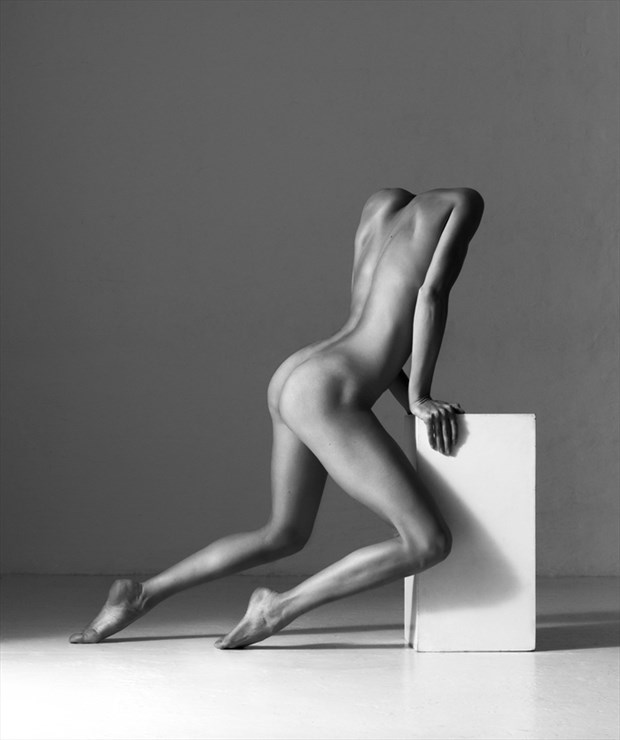 Artistic Nude Photo by Model denisastrakova