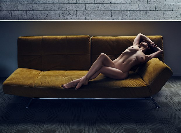Artistic Nude Photo by Photographer Adrian Holmes
