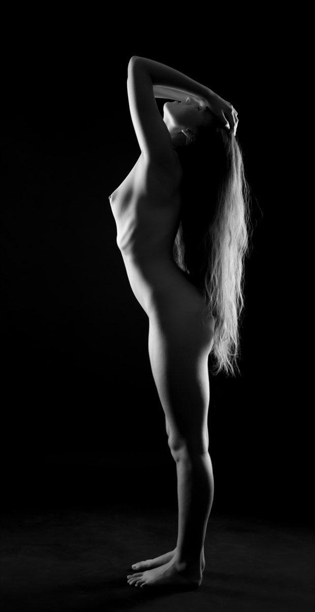 Artistic Nude Photo by Photographer Allan Taylor