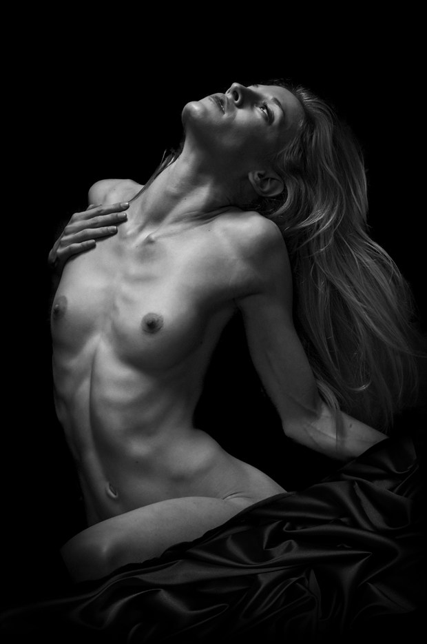 Artistic Nude Photo by Photographer Earth Bound Art
