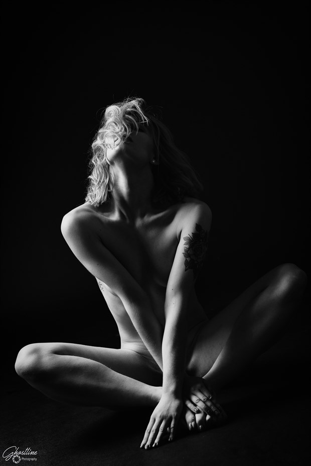 Artistic Nude Photo by Photographer Ghostdog36