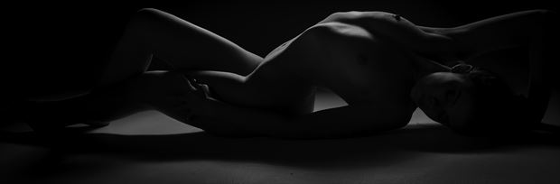Artistic Nude Photo by Photographer Lonnie Tate