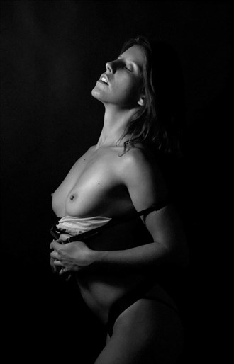 Artistic Nude Photo by Photographer MJFRARTS