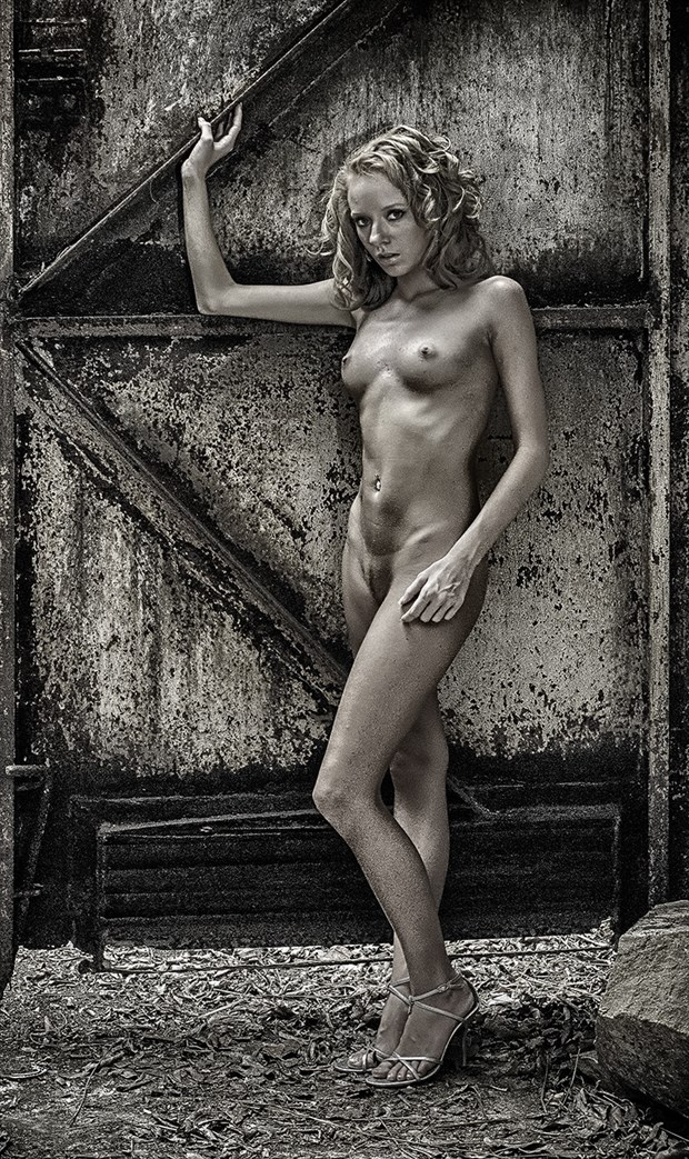 Artistic Nude Photo by Photographer OutVision